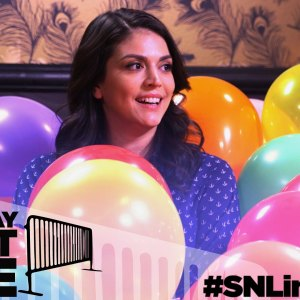 Saturday Night Line: SNL's Cecily Strong and Fans Pop By The Balloon Room