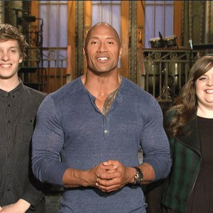 Aidy Can Smell What SNL Host Dwayne Johnson is Cooking