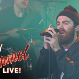 """Chet Faker Performs """"Gold"""""""