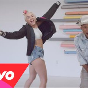 Pharrell Williams : le clip Come Get It Bae feat Miley Cyrus
