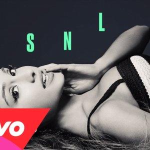 Ariana Grande : Break Free ft. Zedd en Live dans SNL