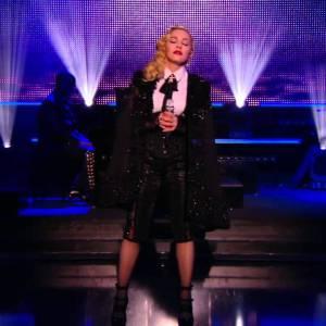 Madonna – Ghosttown – Live du Grand Journal