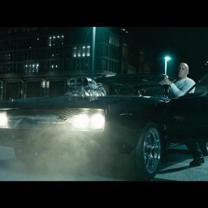 """Fast & Furious 7 – Extrait 4 """"Combat entre Dom et Shaw"""" VOST [Au cinéma le 1er Avril]"""