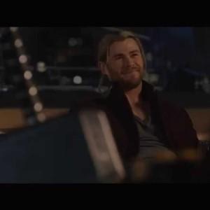 """Avengers, l'Ère d'Ultron – Extrait : """"Le défi de Thor"""""""