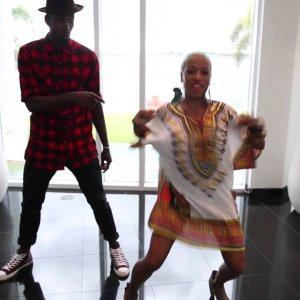 OMI – Hula Hoop Dance Tutorial