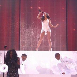 Ariana Grande – Focus (2015 American Music Awards)